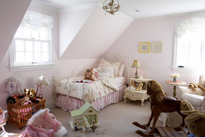 Traditional Kids by Mahoney Architects and Interiors