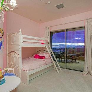 Exemple d'une chambre d'enfant sud-ouest américain.