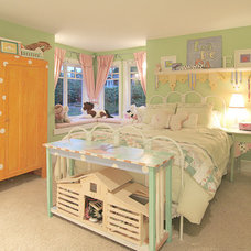 Traditional Kids by Kristi Spouse Interiors