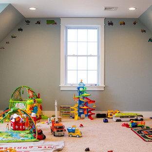 Diseño de dormitorio infantil de 1 a 3 años, minimalista, con paredes grises, moqueta y suelo blanco
