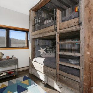 Cette photo montre une chambre d'enfant montagne.