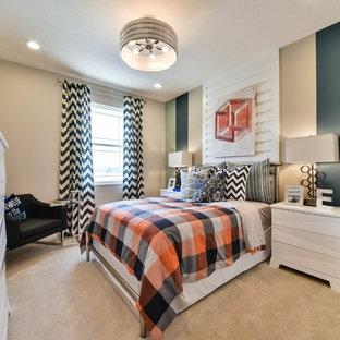 Großes Modernes Jugendzimmer mit Schlafplatz, bunten Wänden und Teppichboden in Orlando