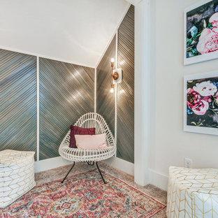 Idee per una cameretta per bambini stile americano di medie dimensioni con pareti grigie, moquette e pavimento grigio