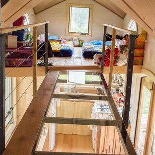 Cette photo montre une chambre d'enfant craftsman.