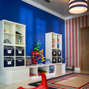 Eklektisk inredning av ett stort pojkrum kombinerat med lekrum och för 4-10-åringar, med blå väggar och marmorgolv