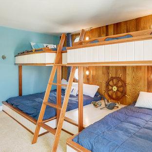 Neutrales Maritimes Kinderzimmer mit Schlafplatz und blauer Wandfarbe in Sonstige