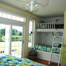 Traditional Kids by Marnie Custom Homes