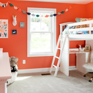 Ejemplo de dormitorio infantil de 4 a 10 años, tradicional renovado, de tamaño medio, con parades naranjas, moqueta y suelo gris