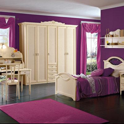 Elegant kids' bedroom photo in New York