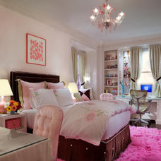 Traditional Kids pink teen bedroom
