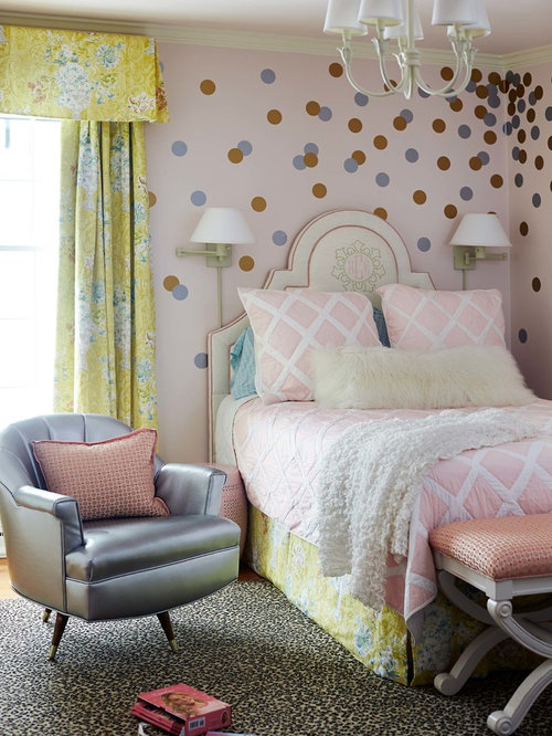 Inspiration For A Timeless Girl Kidsu0027 Bedroom Remodel In Raleigh With  Multicolored Walls