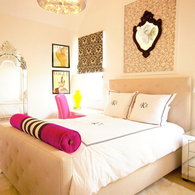 Example of a mid-sized transitional girl carpeted and beige floor kids' room design in Austin with beige walls