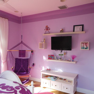 Photo of a contemporary kids' room in Miami.