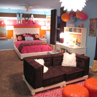 Tween girl's bedroom/lounge.