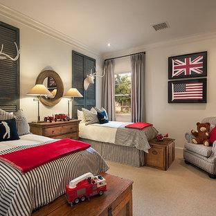 Стильный дизайн: детская в классическом стиле с спальным местом и ковровым покрытием для ребенка от 4 до 10 лет, мальчика - последний тренд