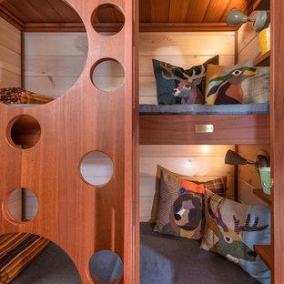 Immagine di una cameretta per bambini rustica