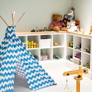 Foto de dormitorio infantil de 4 a 10 años, de estilo americano, con paredes verdes y suelo blanco