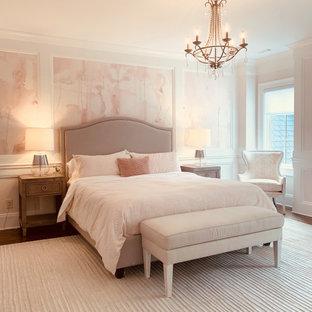 Свежая идея для дизайна: детская в стиле современная классика с спальным местом, розовыми стенами, паркетным полом среднего тона, коричневым полом и панелями на части стены для подростка, девочки - отличное фото интерьера