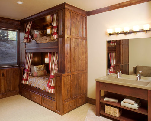 Example Of A Classic Gender Neutral Carpeted And Beige Floor Kidsu0027 Bedroom  Design In