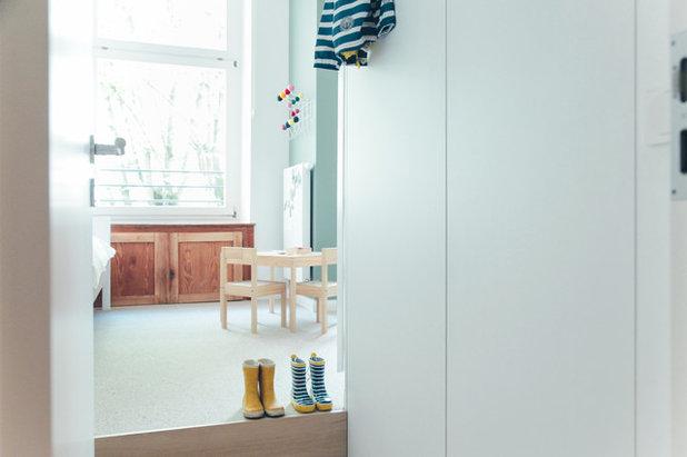 Modern Kinderzimmer by JSW Studio