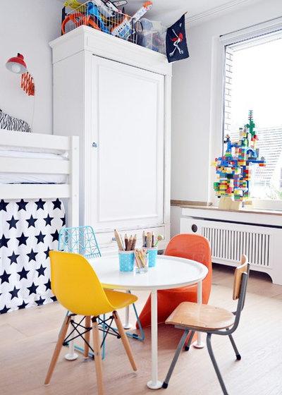 Skandinavisch Kinderzimmer by Stephanie Schetter