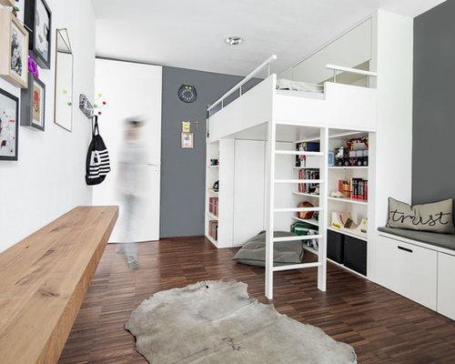 Mittelgrosses Nordisches Jugendzimmer Mit Schlafplatz Und Grauer Wandfarbe In Munchen