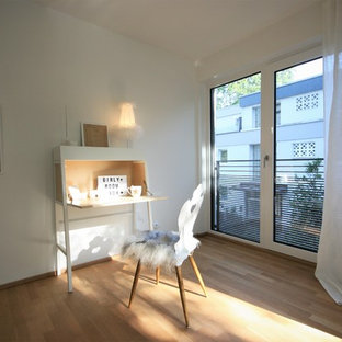 Example Of A Mid Sized Danish Girl Kidsu0027 Room Design In Munich