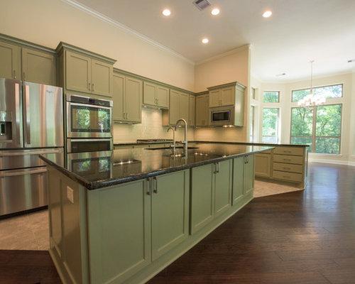 Houston kitchen design ideas renovations photos with green cabinets - Kitchen design houston ...