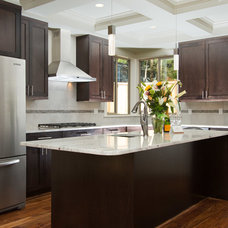 Contemporary Kitchen by MERIT HOMES