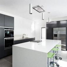 Contemporary Kitchen by AR Design Studio Ltd
