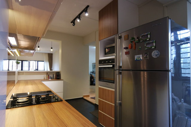 Contemporary Kitchen by Majestic Construction Engrg