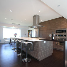 Contemporary Kitchen by Barn Owl Photography