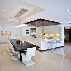 Modern Kitchen by Troy Dean Interiors