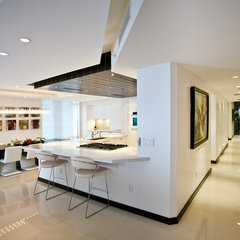 modern kitchen by Trend Design + Build