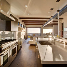 Contemporary Kitchen by KKC Fine Homes
