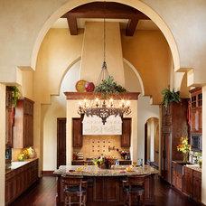 Mediterranean Kitchen by Vanguard Studio Inc.