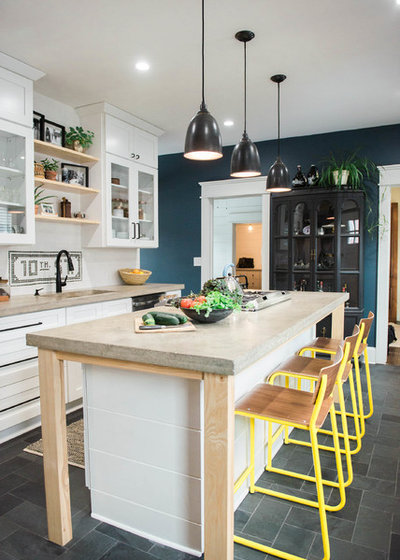 Country Kitchen by West End Interiors