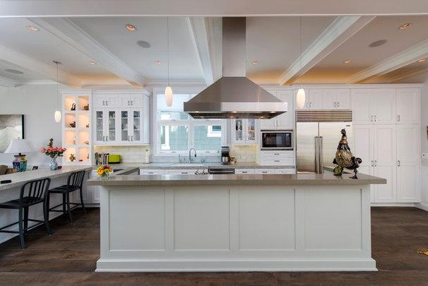 Traditional Kitchen by Beach House Design & Development