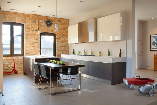 Industrial Kitchen by MRSA Architects & Planners