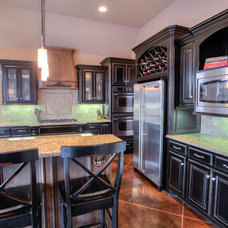 Traditional Kitchen by The ShowMeOKC Team at Paradigm AdvantEdge
