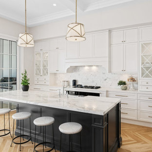 This is an example of a transitional kitchen in Brisbane.