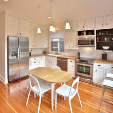 Transitional Kitchen by Dana Austin Griggs | Real Estate Group