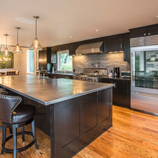Contemporary Kitchen by TruLinea Architects Inc.