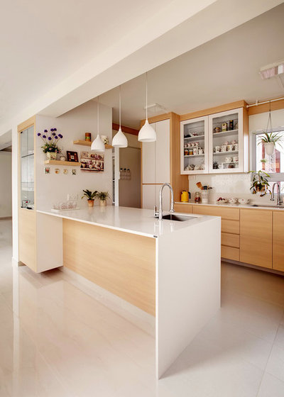 Contemporary Kitchen by 3D Innovations Design Pte. Ltd.