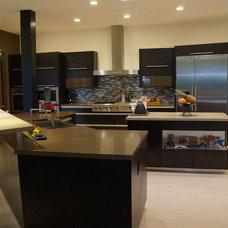 Modern Kitchen by KTI, Llc