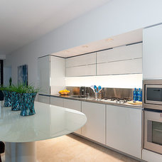 Contemporary Kitchen by Private Property Staging
