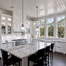 Traditional Kitchen by Borges Brooks Builders