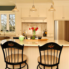 Farmhouse Kitchen by Sheridan Interiors, Kitchens and Baths