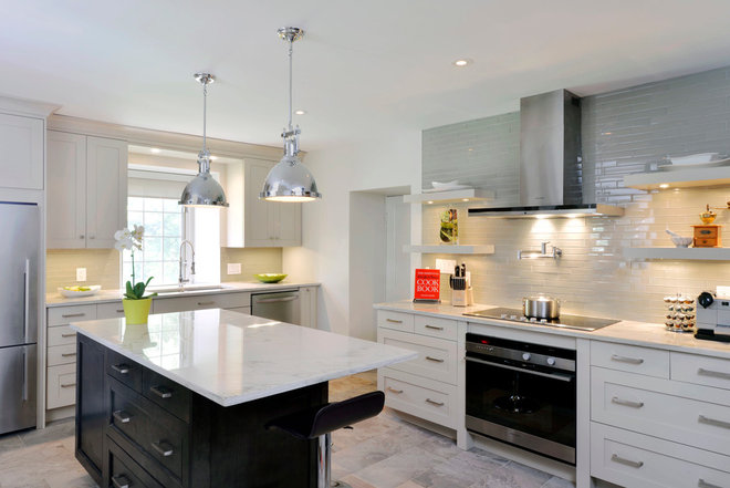 contemporary kitchen by Cedarstone Homes Limited
