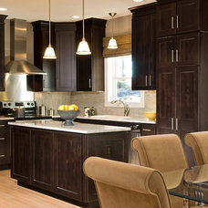 Contemporary Kitchen by Barbera Homes